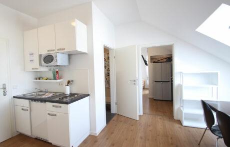 AB Beckerstr.   4-Personen-Appartement Nr. 93   Küche + Esszimmer